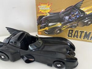 TOY BIZ BATMOBILE DC COMIC 1989 WITH CONSEALED MISSILE