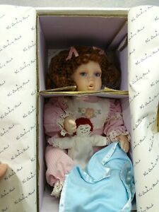 """Collectible Karen Scott Fine Porcelain Doll """" Michele """" Complete W/Papers/Box"""