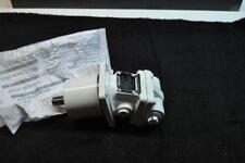 REXROTH HYDRAULIC MOTOR R902197810  NSN 4370-01-461-9741 new