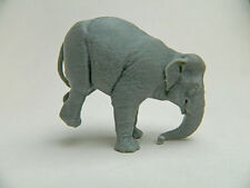 Posed Circus elephant 3d plastic model in gray plastic Super rare!!