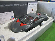 LAMBORGHINI SESTO ELEMENTO noir carbon au 1/18 d AUTOART 74671 voiture miniature