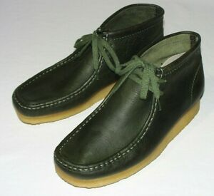 Clarks Wallabee Boot, Leather Upper, Leaf, US 9 M, New