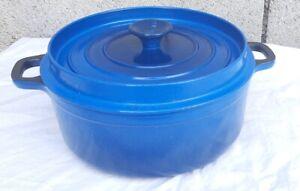 Cocotte ronde Invicta bleue  fonte émaillée-made in France  Ø 24 cm