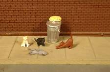 BACHMANN SCENE SCAPES CATS with GARBAGE CANS O SCALE FIGURES