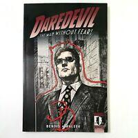 DAREDEVIL Volume 5: Out  (TPB, 2003) Bendis Maleev  Marvel Knights  Matt Murdock