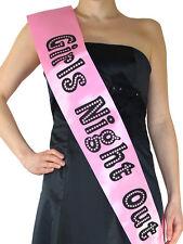 Pinke Schärpe mit der Aufschrift GIRLS-NIGHT-OUT Junggesellenabschied Hen-Party
