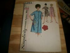 "Sewing patterns: Simplicity 5251 (1963), Misses Duster, Size 16 - 36"" Bust"