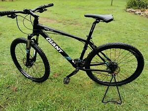 GIANT Talon 1 Mountain Bike Very Little Use Large Frame 27.5 Hard Tail