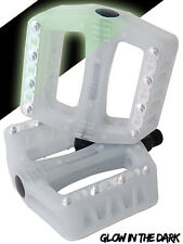 Wellgo B108r plastic BMX bike pedals 9/16in luminous glow in dark