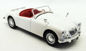 Triple 9 1/18 Scale Diecast T9-1800164 - MGA MKII A1600 Open - White
