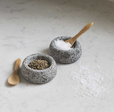 Garden Trading Salt & Pepper Pinch Pots with Two Tiny Wooden Scoops
