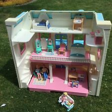 Fisher Price Loving People famille Dream Dolls House Inc figures & mobilier