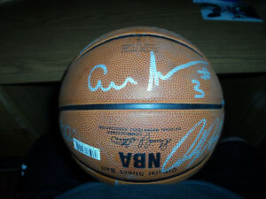 PHILADELPHIA 76ERS SIXERS SIGNED TEAM BASKETBALL ALLEN IVERSON,MUTOMBO + 12 NBA
