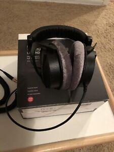 Beyerdynamic DT 990 Pro Headphones (Used)