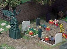 BUSCH 5404 H0 Gräber mit Grableuchten, Bausatz, Neu