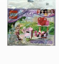 Lego FRIENDS #30105 Stephanie Valentines Heart Mailbox & Chocolates