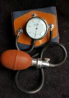 Ancien Tensiomètre D.D Made In France Paris Cuir vintage centimètres de mercure