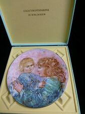 """Edna Hibel 1981 """"Kathleen And Child"""" Collectors Plate *Limited Edition*"""