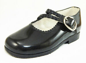 DE OSU - Girls Black Patent Leather Dress Mary Janes -Shoes - European 24 Size 7