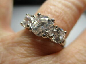 STERLING SILVER 925 ROSS SIMONS TRILOGY 3 STONE CUBIC ZIRCONIA BAND RING SIZE 7