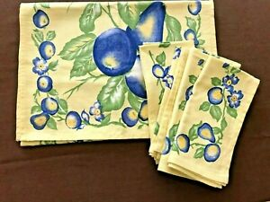 Yellow April Cornell Table Runner and Four Napkins, Fiesta Collection, NWT