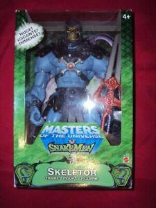MATTEL 2002 MASTERS OF THE UNIVESE SNAKEMEN SKELETOR & HE-MAN GIANT 200X MOTU