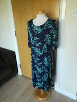 Ladies BM Dress Size 16 Green Stretch Smart Casual Day Party Summer Holiday