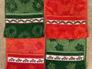 Vintage~Sculptured Cotton Christmas Hand Towel LOT~REVERSIBLE POINSETTIA WREATH