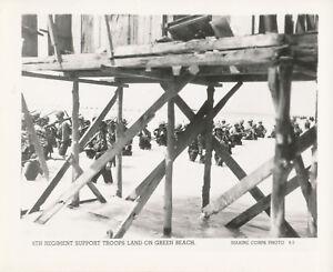 WWII 1943 Official USMC Tarawa Photo 6TH REGIEMENT TROOPS LAND ON GREEN BEACH