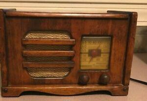 Vintage 1940 PHILCO TRANSITONE Radio Model PT50 Wood ~ Works!