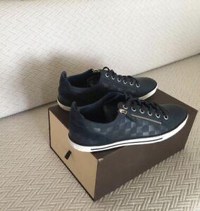 Louis Vuitton shoes US 11, Insole 29 cm.