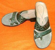 clarks artisan wedge sandals Toe Loop Leather Green - Women's 6.5 M - SUPER CUTE