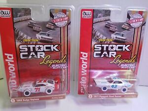 Auto world  iwheels stock car legends Daytona & petty roadrunner slot car set