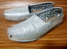 TOMS SLIP ON CANVAS SILVER METALLIC WOMENS SHOES SIZE 7