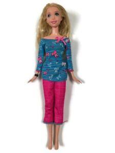 """2006 Mattel Barbie Doll 10.5"""" Tall"""