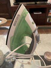 Black+Decker Easy Steam Ir02V Compact Iron - Green