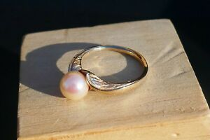 Mid-Century Ladies 14K Yellow Gold Pearl Ring - Size 7.5