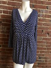 BRAND NEW $36 DAISY FUENTES PLEAT FRONT TOP PATTERN WHITE BLUE V NECK L BLOUSE