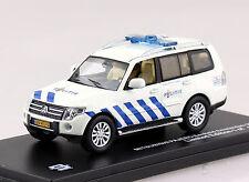 Mitsubishi Pajero Polizei Amsterdam 2013 1:43 Triple 9  Modellauto 43073