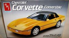 amt 1/25 1990 CHEVY CORVETTE CONVERTIBLE ROADSTER 2n1