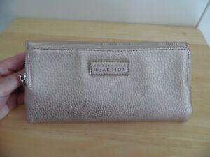 Kenneth Cole Reaction Beige Women's Clutch Wallet, Excellent Condition