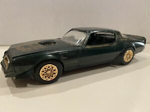 """Vintage Used 1:25 Scale Pontiac TransAm """"BANDIT"""" built model car."""