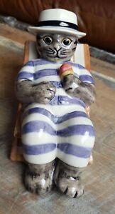 Quail pottery cat