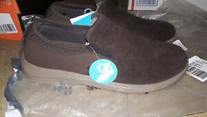 NEW $54 Mens Crocs Reviva Suede Shoes, size 10