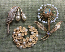 #D312. Three Cosmetic Jewellery Brooches