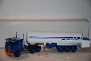 1/50 Conrad Camion Rimorchio Cisterna Freightliner