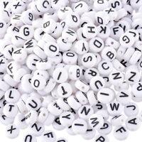Neu 1000 Acryl Weiß Schwarz Buchstaben Perlen Spacer Beads 7mm JO