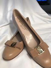 Salvatore Ferragamo Vara Pump Nude Leather Nude Bow Boutique Shoes 9 1/2 AAA