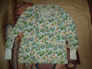 CREST LONG SLEEVE FROGS SCRUB TOP SIZE S (2 POCKETS) WARM UP, SNAPS IN FRONT