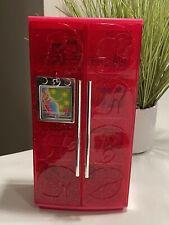 Barbie Glam Sweet Treats a TV Sparkle Refrigerador Con Accesorios 2010